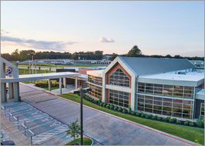 Texas healthcare facility achieves a contemporary look with metal panels