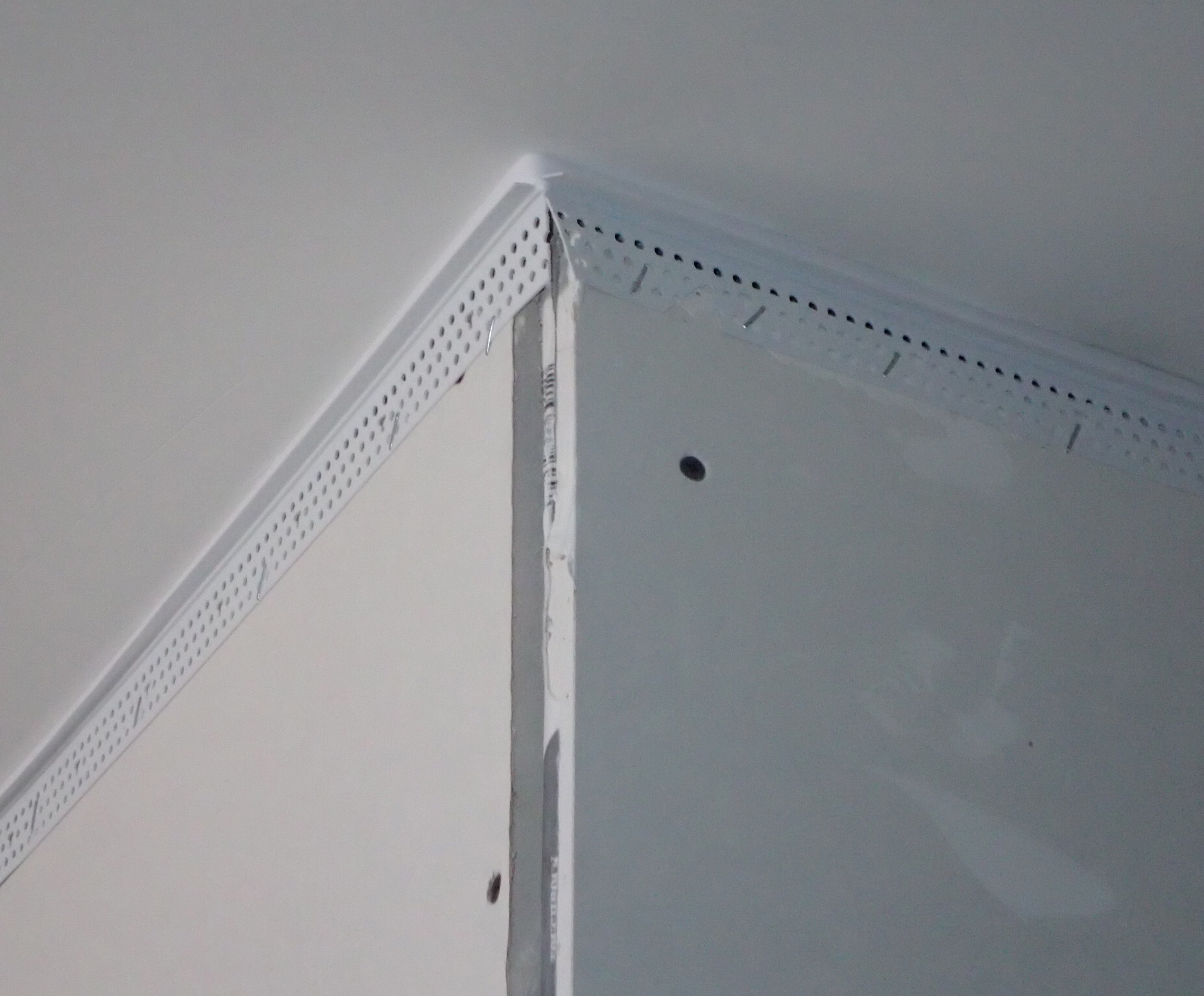 Trim-Tex Wall-mounted Deflection Bead