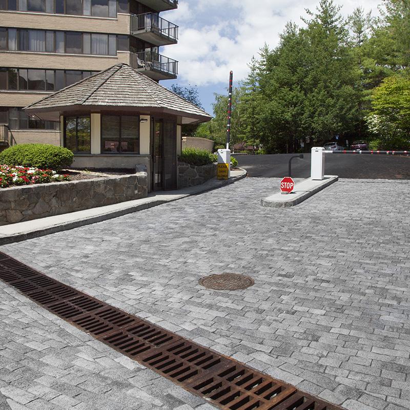 Tribeca Cobble™ - Exposed Granite Cobblestone