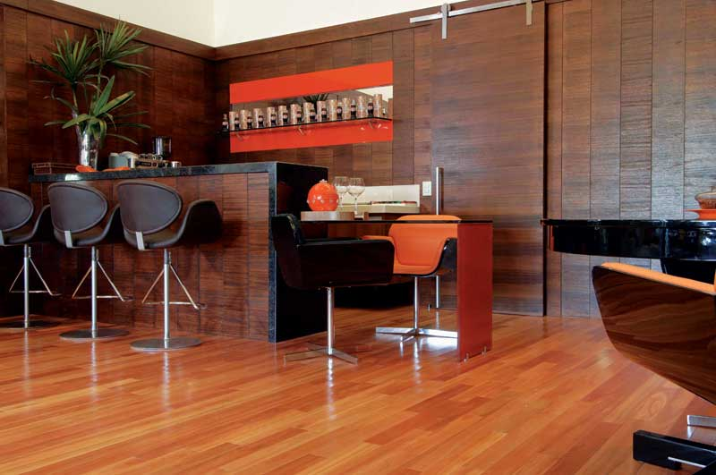 Hardwood Takes The Floor Navigating Solid And Engineered Wood