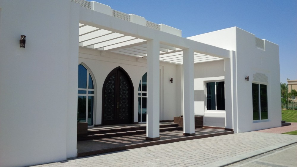 SiteCast Construction Corp. built two model homes in Abu Dhabi. Traditional United American Emirates (UAE) architecture was mimicked using load bearing tilt-up.