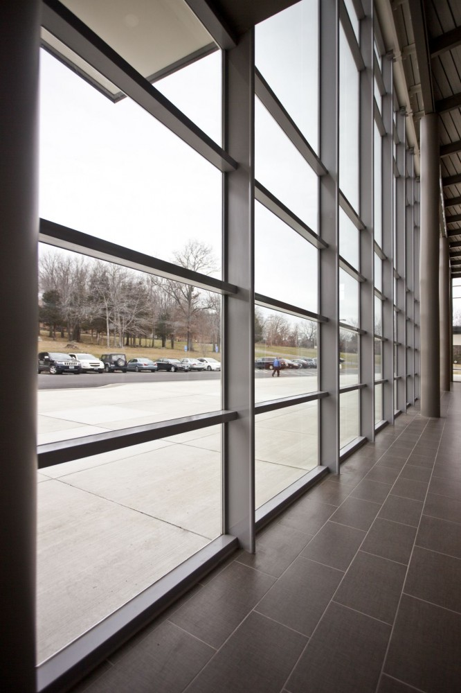 Large free spans can help reduce electricity consumption for interior lighting.