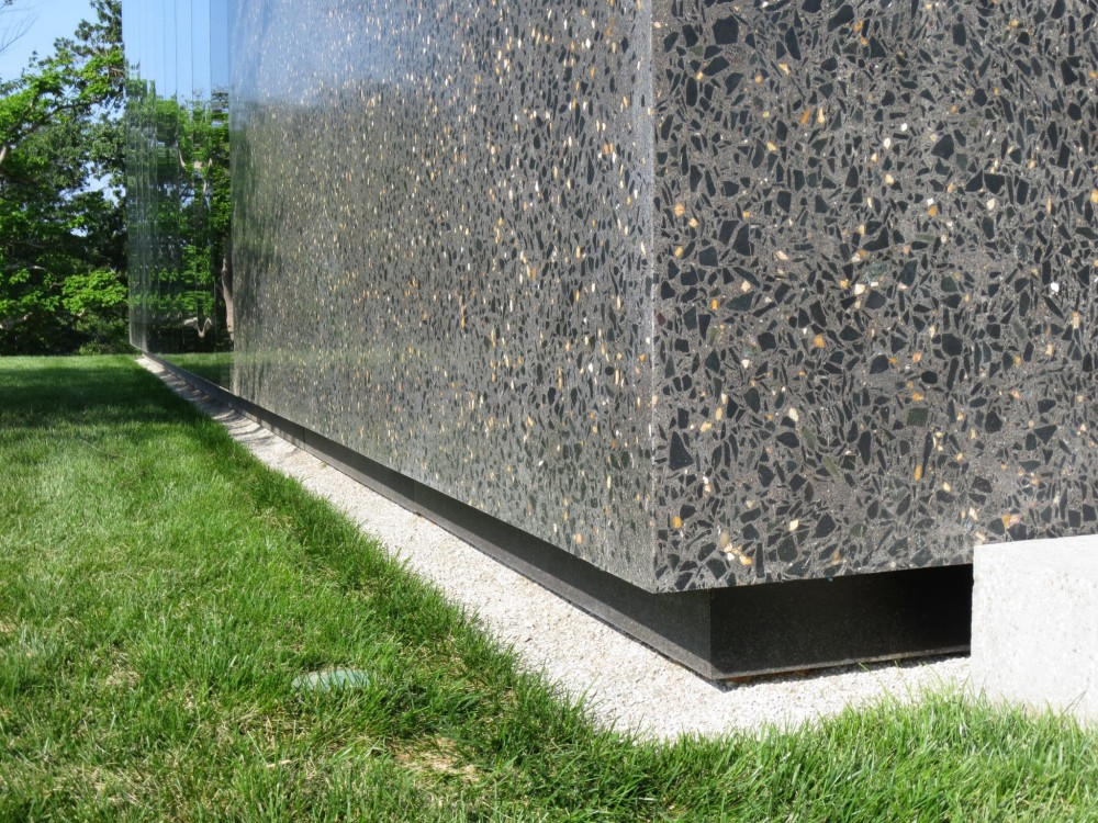 To obtain a 'granite' look for the St. Louis Art Museum New East Building (David Chipperfield Architects), panels underwent a unique polishing process. They were also poured oversized and cut to exact dimensions to effectively reveal the aggregate. A gap yields the appearance of floating panels, as they are attached to the structural steel of the building. Panels were installed by Fenix Construction Company.
