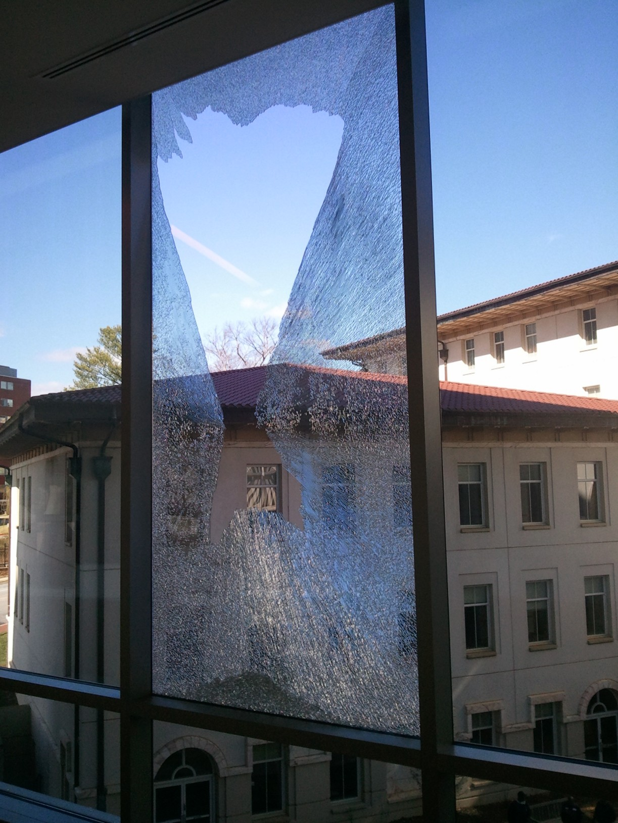 With An Increase In Spontaneous Glass Breakage Incidents The Glazing Industry Is Looking At New Ways To Make Assemblies Safer