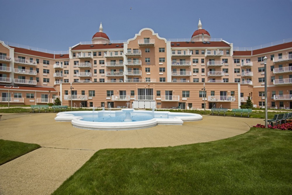 The aging Lido Beach Towers (Long Island, NY) were retrofi tted with an exterior insulation fi nish system (EIFS), resulting in a more than 30 percent energy saving.