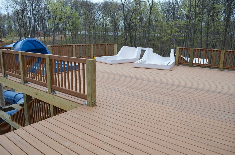 High-performance composite decking provides a water-resistant, slip-resistant, and splinter-free surface in the Santa's Splashdown waterpark. [CREDIT] Photo courtesy Lake Rudolph Campground & RV Resort