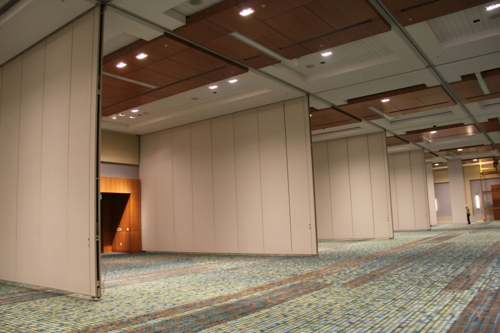 The MCC's Davidson Ballroom, a 1672-m2 (18,000-sf) space, is the smaller of the two ballrooms in the convention center.
