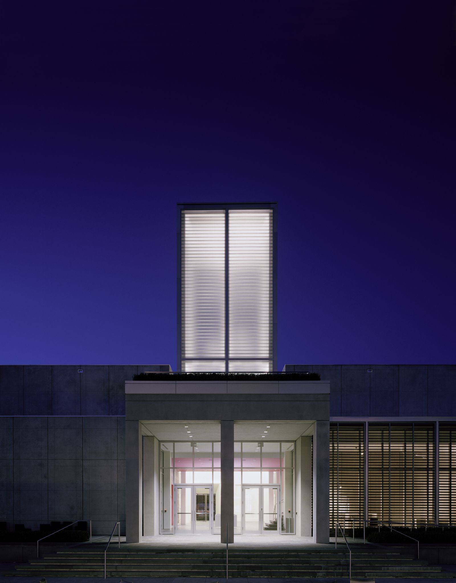 More Than A Pretty Fa Ade Hurricane Rated Channel Glass Tower Tops Scad Museum Of Art S