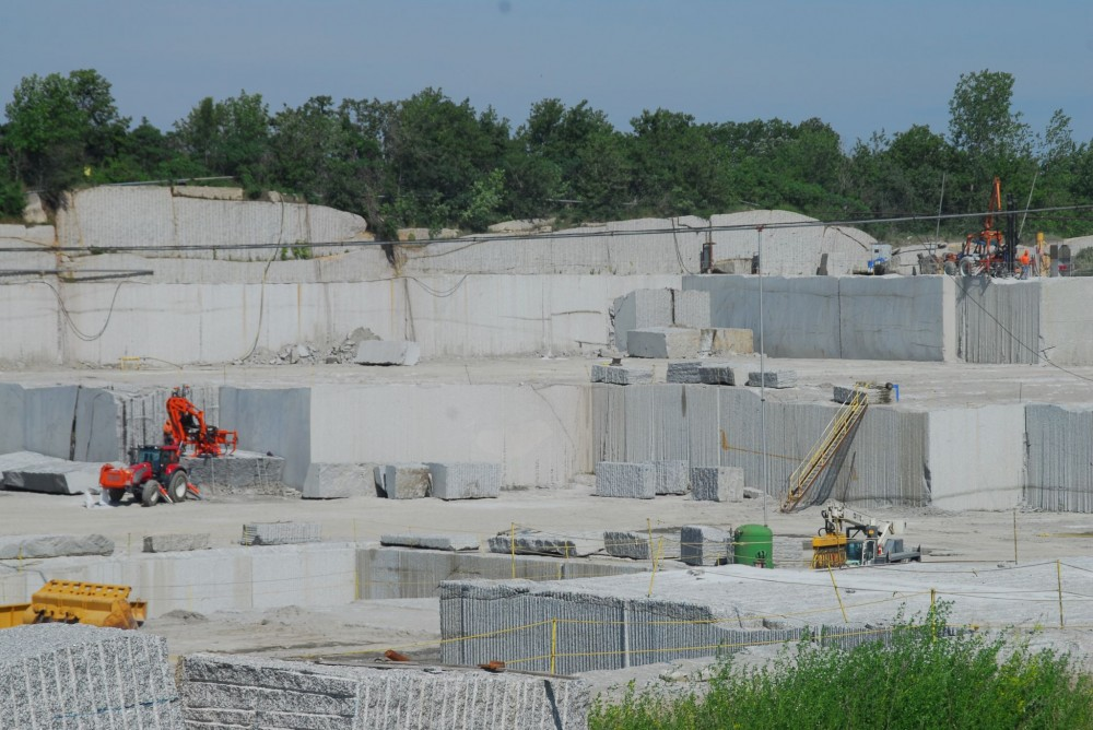 An upcoming stone industry standard, Natural Stone Council (NSC) 373, Natural Dimension Stone Standard, will help project teams and consumers determine whether a dimensional stone product has been extracted and manufactured in an environmentally preferable manner.