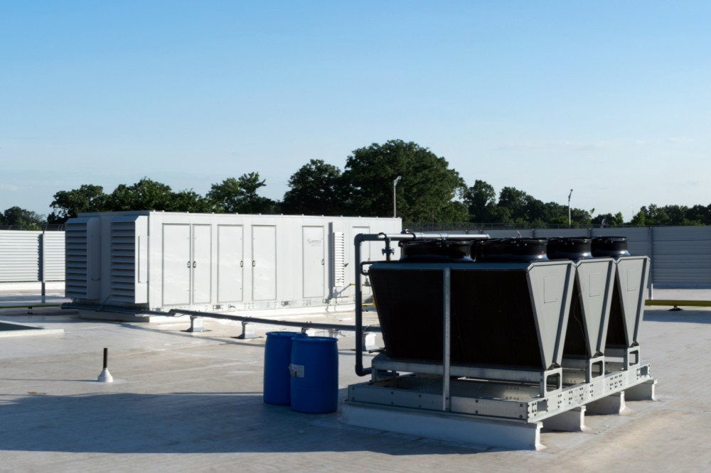 The HUMC's dehumidifi er's use of glycol for heat rejection eliminated hundreds of pounds of refrigerant from the center. Compared to refrigerants, glycol is 95 percent less expensive and minimally environmentally-damaging in the event of a leak. Photos courtesy Seresco Technologies