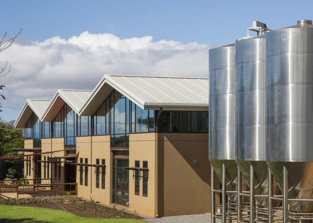 Insulated metal panels (IMPs) were ideal for the Maui Brewing Company facility's high-performance and aesthetic requirements. Photos © Ryan Siphers