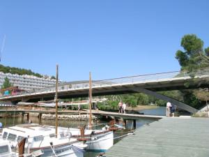 Pedelta's Cala Galdana Bridge in Menorca, Spain, uses duplex 2205 stainless steel structural components. Photo © Juan Sobrino