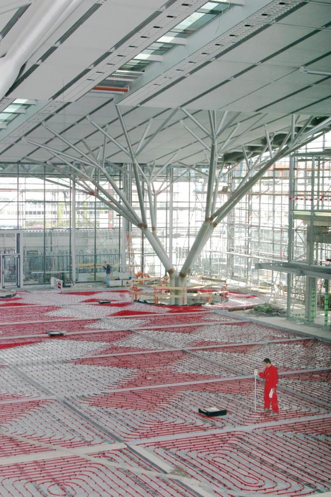 Stuttgart Airport Vertical 00000DC4