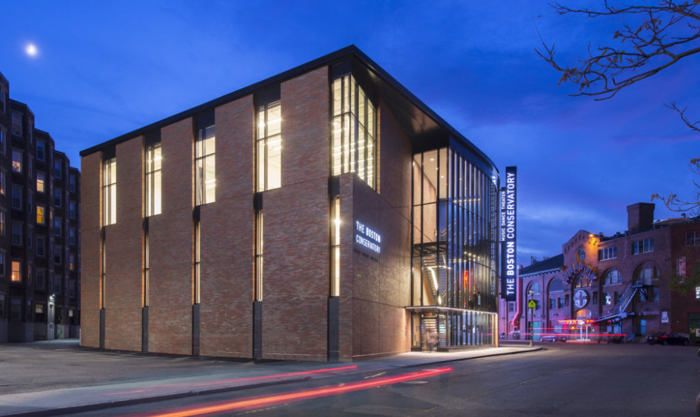 A combination of sound diffusion and absorption treatments were used to isolate sound at The Boston Conservatory's new performance and rehearsal building. Photos © Chuck Choi. Photos courtesy Acentech's Studio A