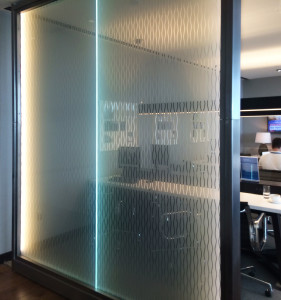 The fade laminated glass both met the airlines' branding goals and promised low upkeep.