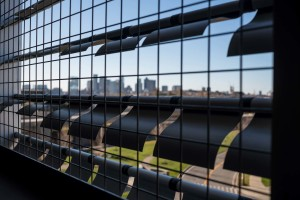 Designed by Arrowstreet, the garage optimizes the experience for passengers and its dynamic façade enhances the view for the traveling public and visitors of the nearby 9/11 Memorial and Hilton Hotel.