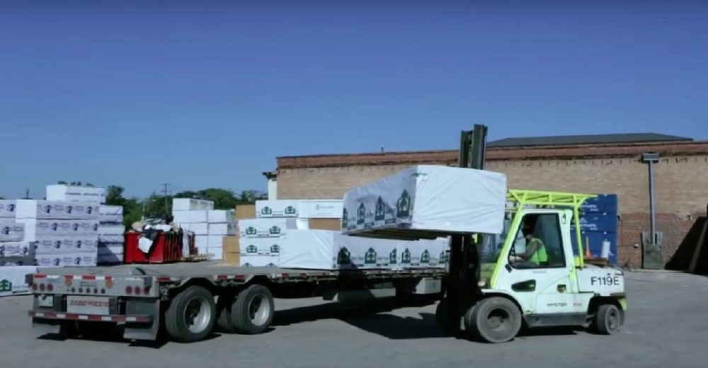 The variety of materials and types of trucks makes planning deliveries a complex process.