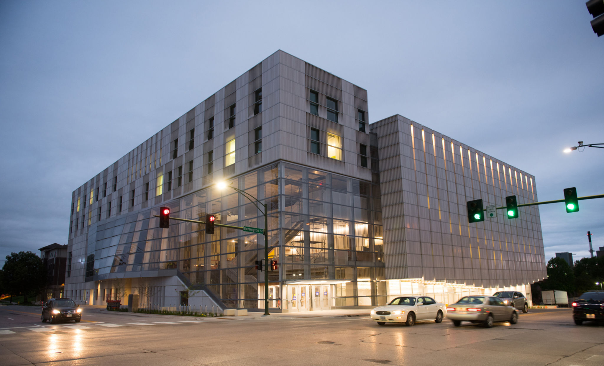 The University of Iowa's (UI's) new music facility implemented a variety of glazing solutions to overcome acoustic challenges and provide an ideal space for music students and faculty to work. Photos © University of Iowa