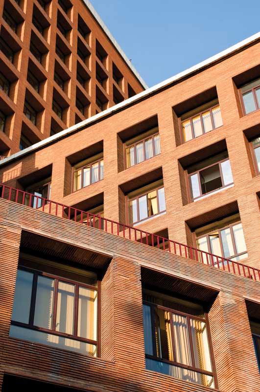 Designing Brick Veneer For Loadbearing Exterior Walls