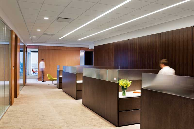 Maximum sound absorption capabilities of a 0.95 noise reduction coefficient (NRC) fiberglass panel helps employees maintain concentration in the open-office space of FMC Corporation in Philadelphia.