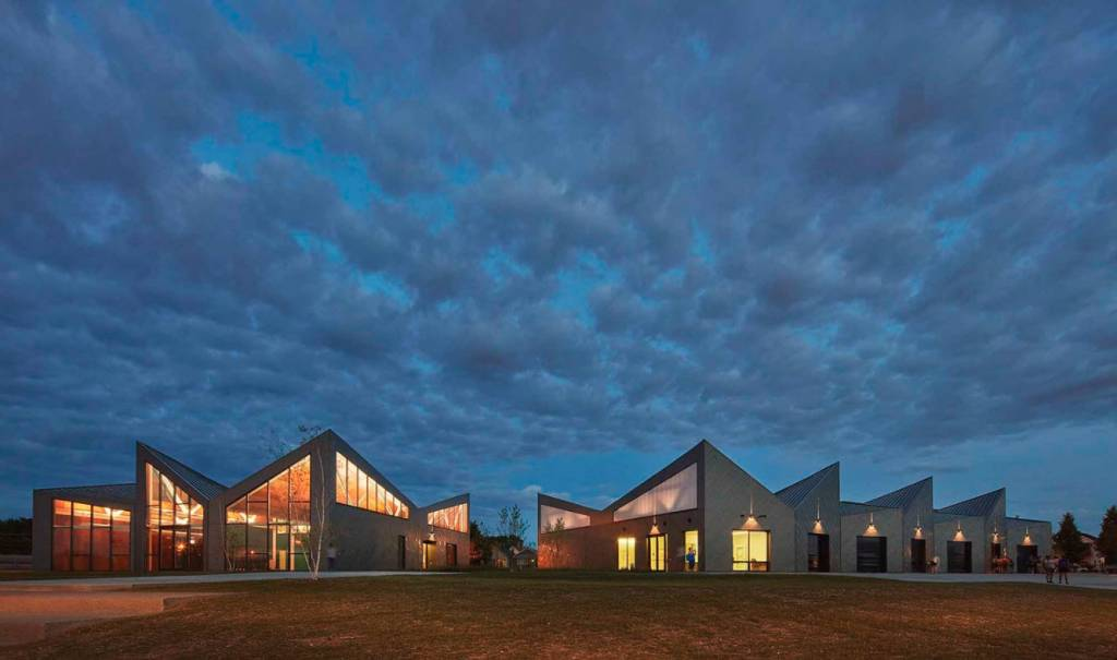 Both the roof and façade applications of Eleanor Boathouse incorporate architectural zinc cladding. Photos © Tom Harris. Photos courtesy Studio Gang/RHEINZINK America