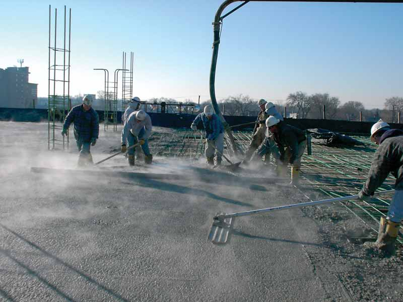 The superplasticizer/migrating corrosion inhibitor combination helped maintain good workability and finishing properties of the low-moisture concrete, allowing crews to stay ahead of schedule.