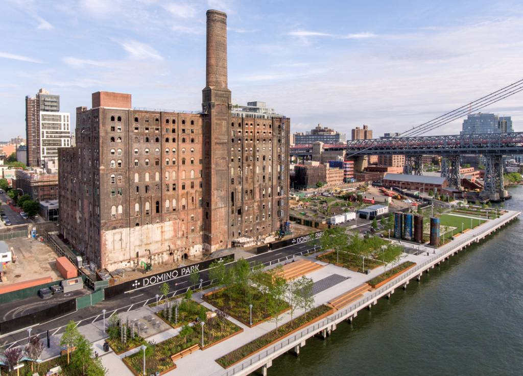 Domino Park is located on the site of the former Domino Sugar Factory in Brooklyn. Photos © Daniel Levin. Photos courtesy Two Trees Management