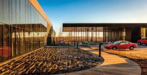 Anodized aluminum withstands extreme temperature changes and weather conditions, exposure to vehicle exhaust, and daily use by passengers. Photo © Paul Crosby. Photo courtesy Wausau Window and Wall Systems