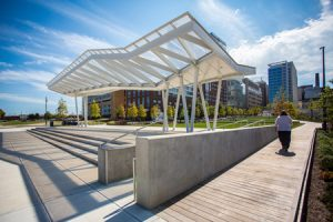 Eager Park in Baltimore, Maryland, was revitalized by Mahan Rykiel and Gensler Architects with utilizing sustainable building materials. Photo courtesy Kebony