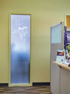 Glass finishes with the Minnesota Vikings logo etched onto the architectural film were used in the administrative offices of the football team.