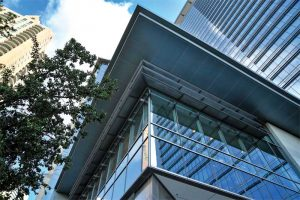 The first office building in Houston's central business district to earn LEED Gold certification, Hess Tower's high-profile exterior is clad in 3716 m2 (40,000 sf) of an aluminum wall panel system that is finished in a high-performance 70 percent PVDF coating. Photo courtesy Quality Metalcrafts, LLC and Linetec
