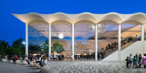 Foster + Partners design for the new Apple store is inspired by Miami's white Art Deco style. Image courtesy Foster + Partners