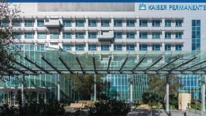The visual impact of mica and metallic color finishes on the exterior of the Kaiser Permanente San Diego Medical Center in California reflects the hospital's philosophy of high-tech healing in a patient-centered, sustainable environment.