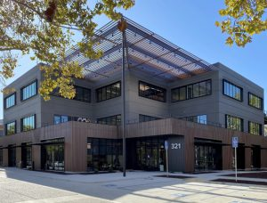 The Mountain View Corporate Center, California, updated three buildings from concrete exteriors to a modern copper-colored metal panel façade using aluminum panels. Photo © Sheet Metal Systems. Photo courtesy Linetec