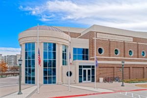 Southern Methodist University's (SMU's) Robson & Lindley Aquatics Center and Barr-McMillion Natatorium, Dallas, Texas, achieves Leadership in Energy and Environmental Design (LEED) Gold with high-performance curtainwall, storefront, and entrance systems. Photo © Joe Hernandez. Photo courtesy Tubelite Inc.