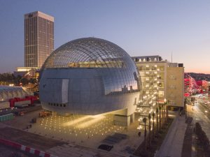 The Academy Museum of Motion Pictures in Los Angeles, California, used laminated glass with polyvinyl butyral (PVB) interlayers to provide superior structural strength for its unique glass dome. Photo © Knippers Helbig Advanced Engineering