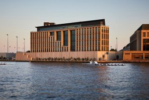 Skidmore, Owings & Merrill (SOM) has completed the USNA Cyber Studies Building – Hopper Hall (Annapolis, Maryland) for the United States Naval Academy (USNA). Photo © Lucas Blair Simpson. Photo courtesy SOM
