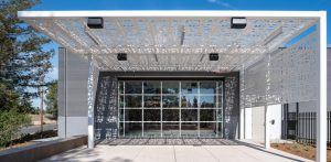 The Contra Costa County Emergency Operations Center in Martinez, California, utilized a custom-made hydraulic glass door that helps with disaster management and public safety. Photo © Kyle Jeffers Photography