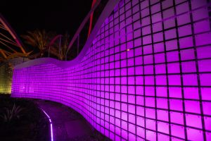 Wind-driven, flapper-panel walls greet guests with movement and illumination at the Morongo Casino Resort & Spa in Cabazon, California. Photo © Justin Cesler. Photo courtesy of MediaWorks/EXTECH